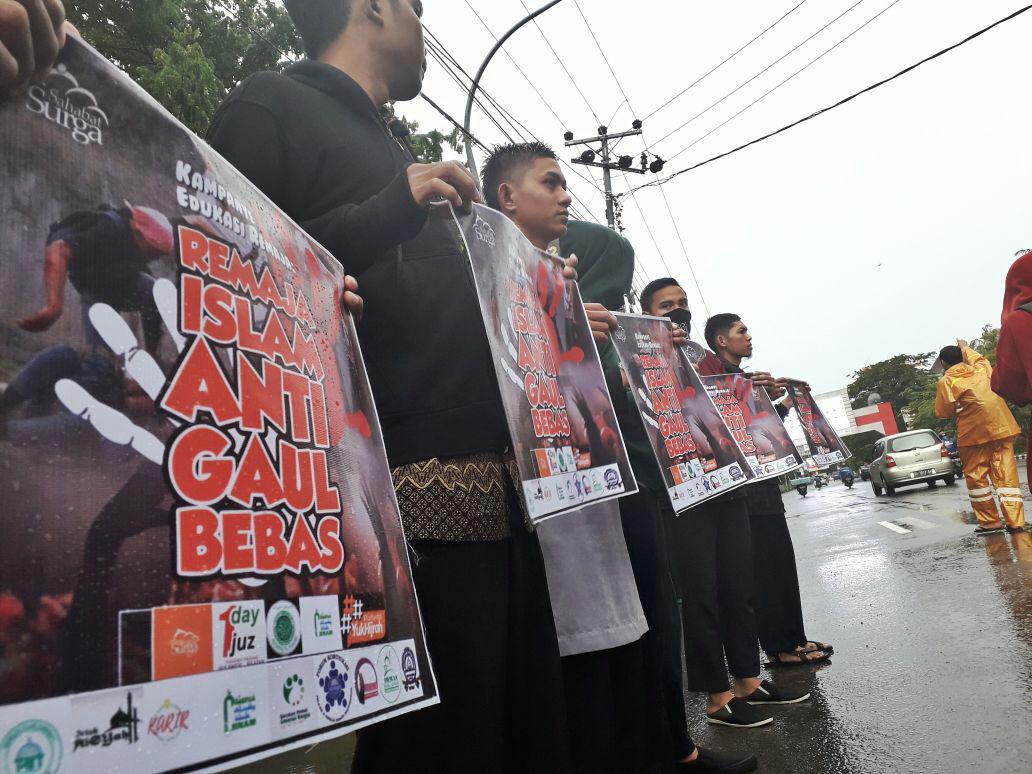 remaja muslim makassar anti gaul bebas